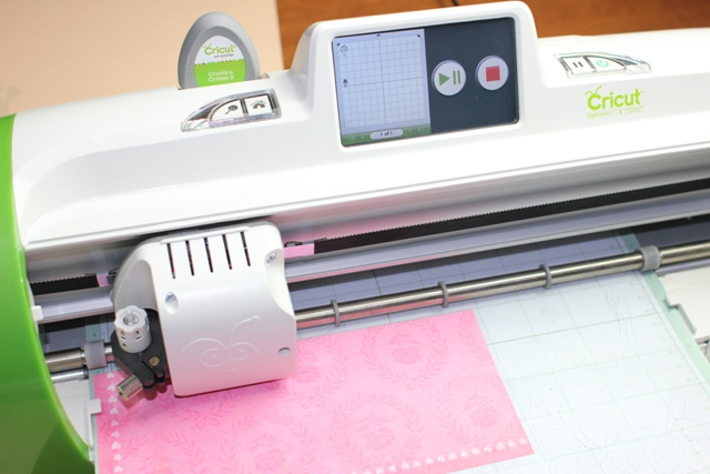 Cutting the flowers with the Cricut Expression 2