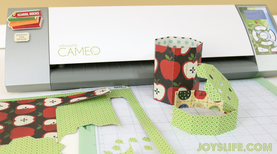 Back to School with BIC 3D Cardstock Pencil Holder #CBIAS #ad #SilhouetteCameo #BackToSchool #3D #teachergift