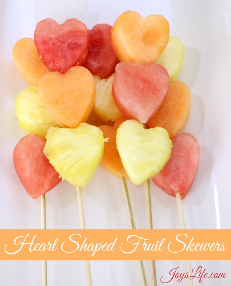 Valentine's Day Party Ideas Heart Shaped Fruit Skewers #CapriSunParties #Ad #ValentinesDay