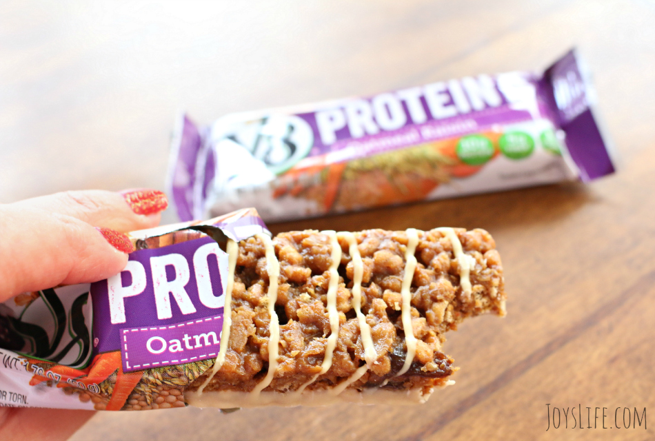 Keeping the Energy Up with V8 Protein Bars & Shakes #v8protein #ad