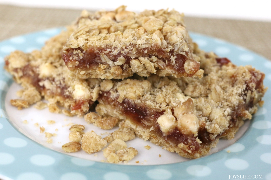 Strawberry Oatmeal Cookie Bar