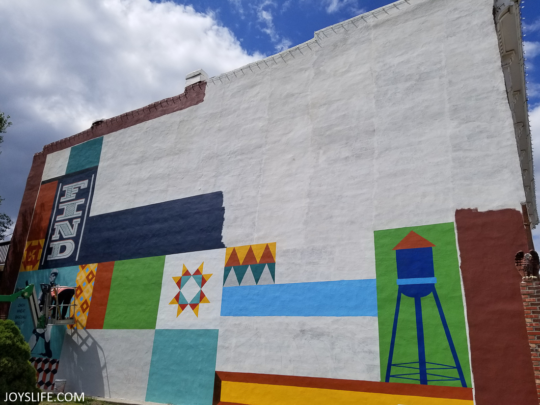 Missouri Star Mural in Progress