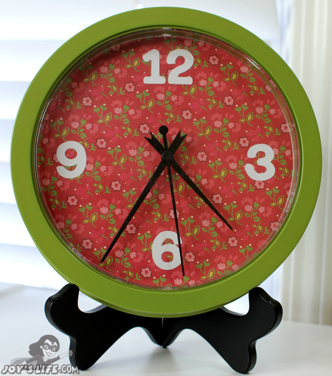 How to Give Your Clock a Makeover at www.joyslife.com