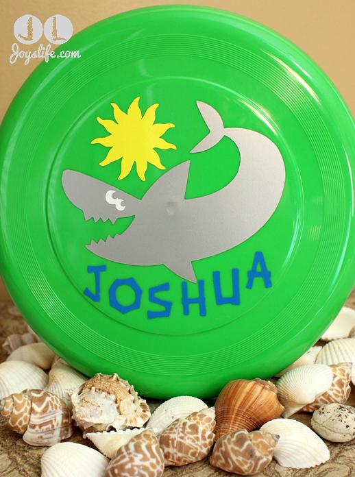 Fun Vinyl Decorated Shark Frisbee with Cricut
