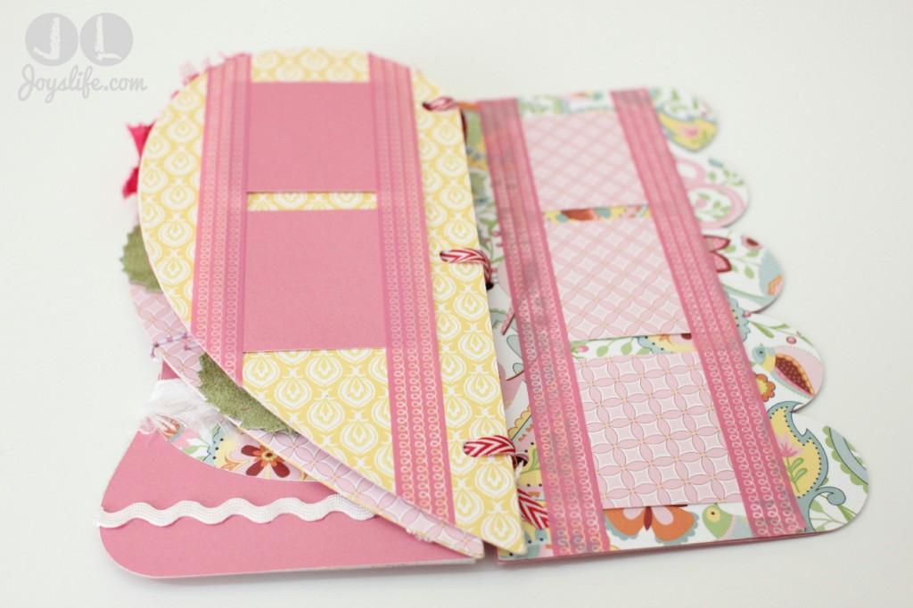 Cricut CTMH Artbooking Valentine's Day Mini Album #CTMH #Cricut #Artbooking #MiniAlbum #Valentine