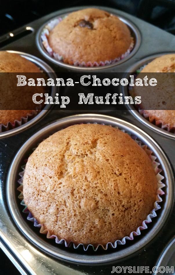 Banana-Chocolate Chip Muffins #muffins