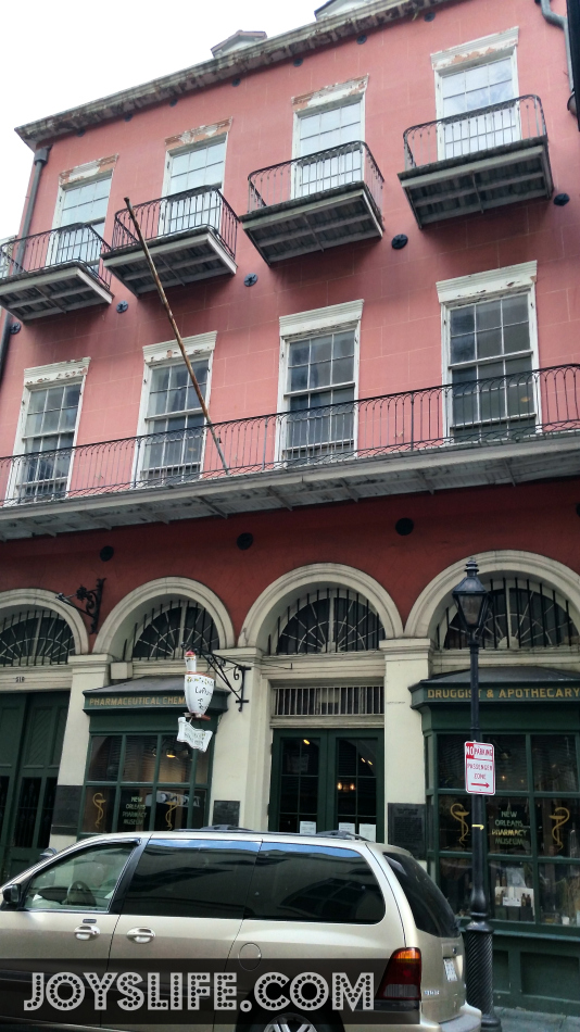 Mom & Daughter Trip to New Orleans Day 3 Part 1 #NOLA #NewOrleans #FrenchQuarter #tour #roadtrip #AmericanHorrorStory #Apothecary