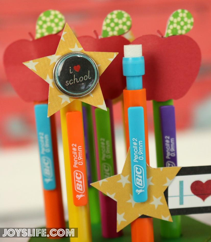 Back to School with BIC 3D Cardstock Pencil Holder #CBIAS #ad #SilhouetteCameo #BackToSchool #3D #teachergift