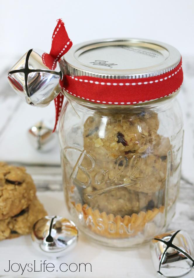 Homemade Orange Cranberry Oatmeal Cookies with Whole Grain Oats @Target #QuakerUp #MyOatsCreation #masonjar #gifts #spon