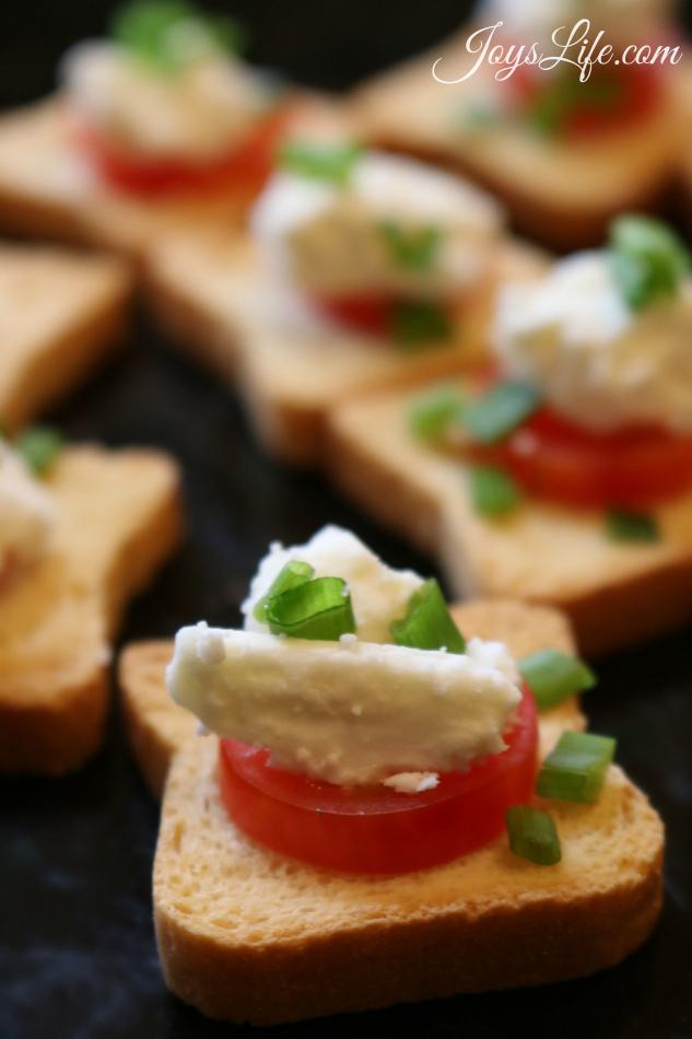 msg 4 21+ Estancia Chardonnay paired with Tomato Feta & Chives Mini Toast #ArtOfEntertaining #Ad