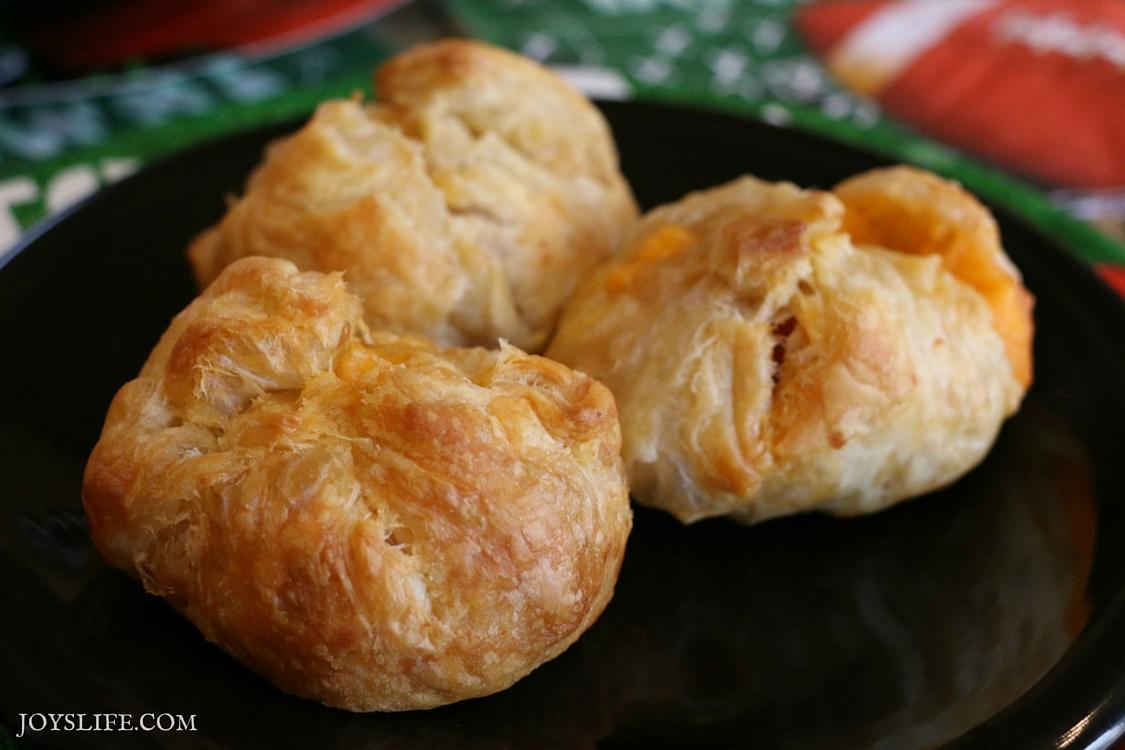 Puff Pastry Cheesy Buffalo Chicken Bites Recipe