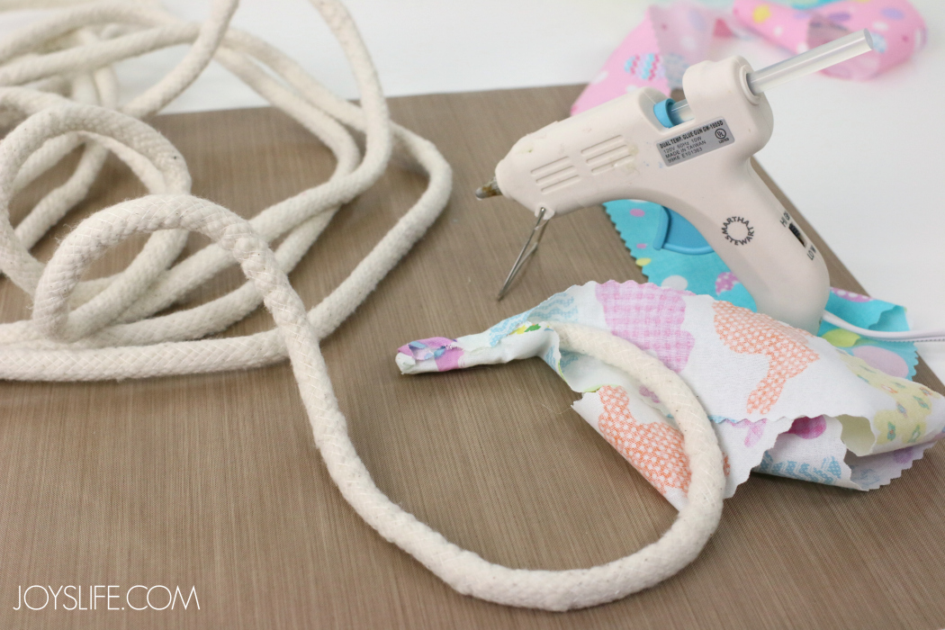 Cover rope end for Rope Easter Basket