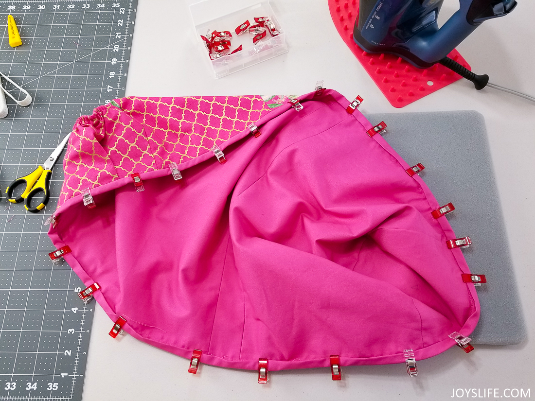 binding clips pink maker dust ruffle