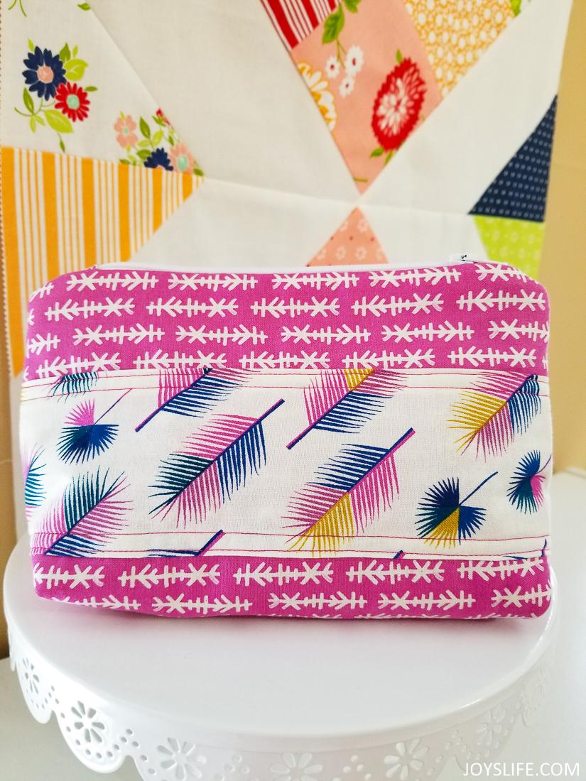 Cricut Maker Little Zipper Bow Pouch complete #cricutmaker #cricut #zipperbag #sewing